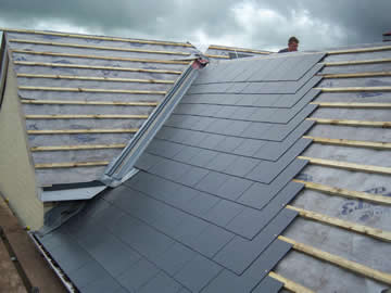 best roofing contractors in Hinckley